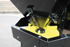 Erskine salt sand spreader hydraulic hoses attachment