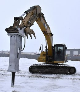 Winter tough hydraulic breakers for excavator